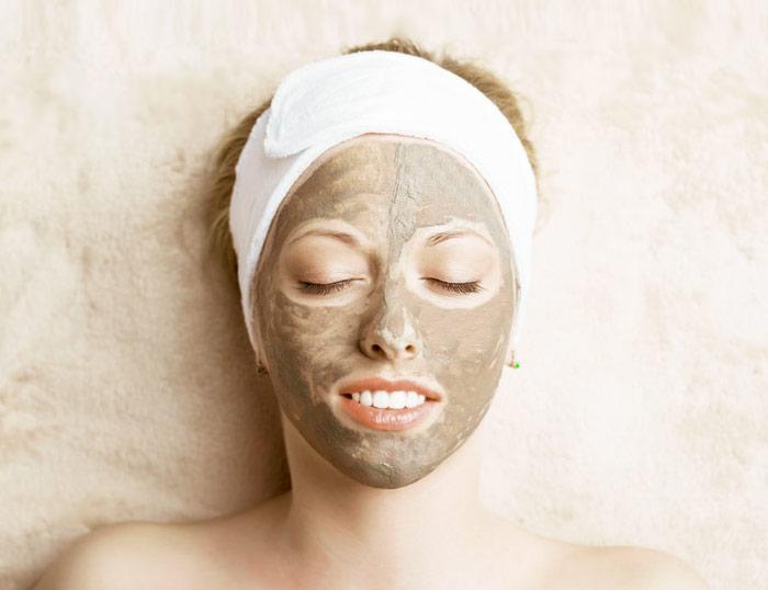 Tratamiento de acné con arcilla