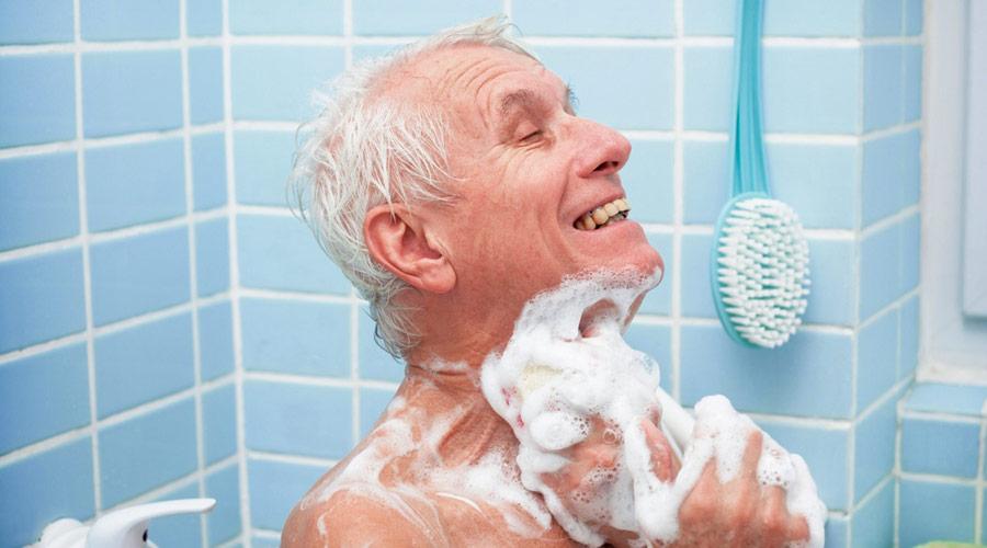 9 hábitos saludables para vivir más tiempo: higiene personal
