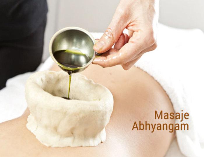 Aplicación y resultados del masaje Abhyangam