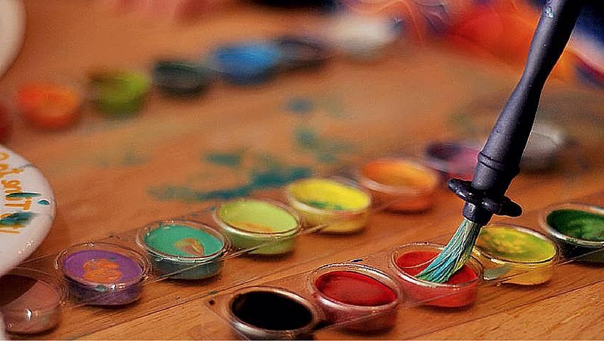 Los colores y las emociones en terapia artística