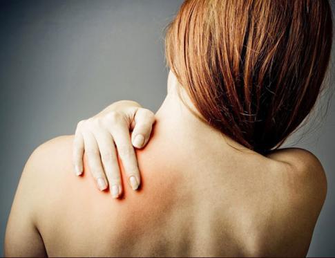 Relación entre pectoral derecho y romboides izquierdo