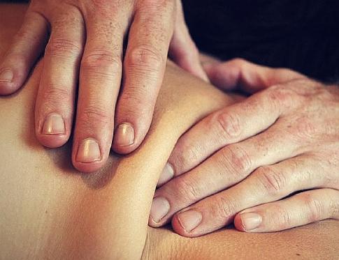 Utilidades del masaje del tejido conjuntivo o conectivo