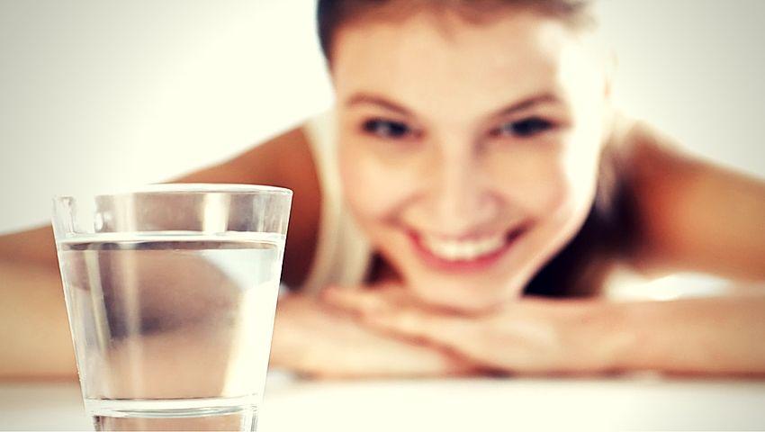 La importancia de beber agua energizada como medicina