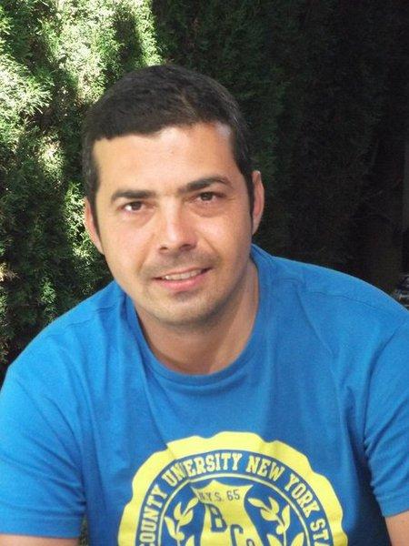 Alex Vila
