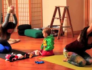 Clases de yoga para mamás y bebés